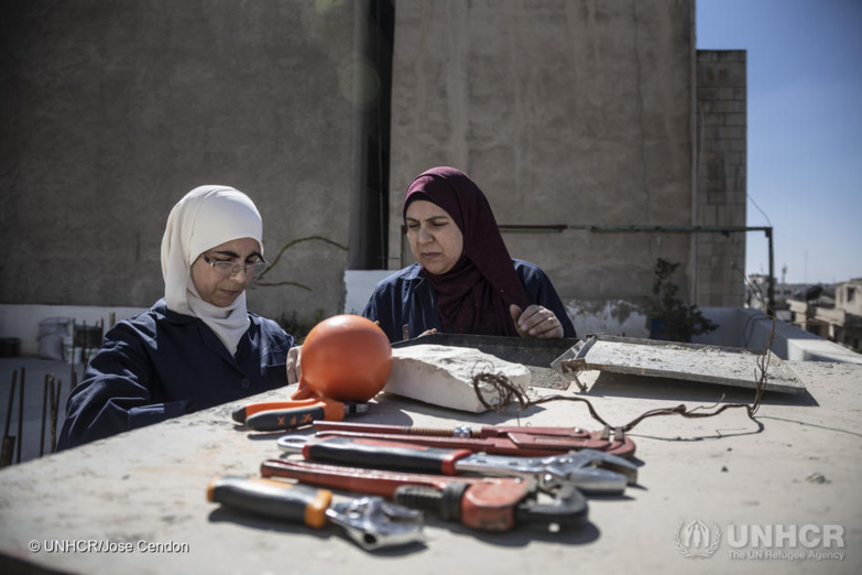 The opportunities offered are particularly precious for women refugees. ©HCR
