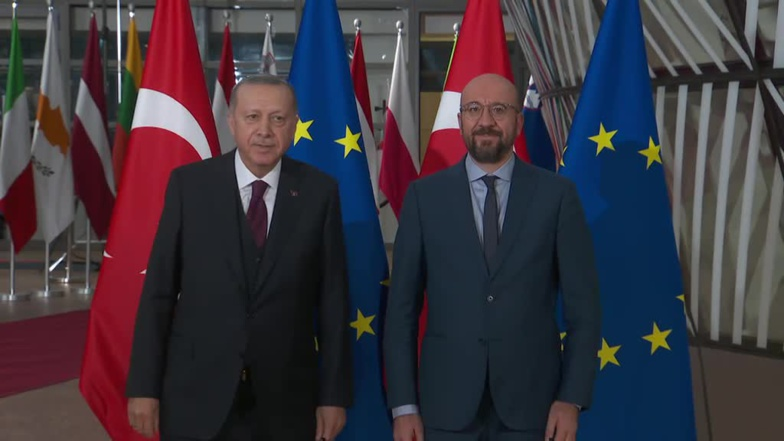 Charles Michel wants to maintain dialogue with Recep Tayyip Erdogan - here the two men meeting in March 2020 - but threatens sanctions (photo: European Council)