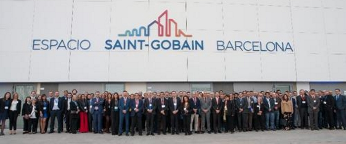 Saint-Gobain sells distribution networks but invests in production in Spain