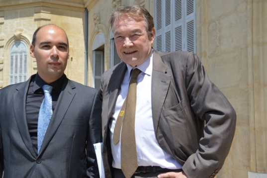 Professor Jean-Louis Reiffers and Constantin Tsakas. (Photo N.B.C)