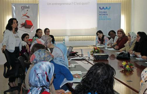 "Working session in Morocco on the project ""Young Women as job creators"". Photo Afaemme"