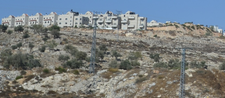 The authorisation of the construction of 800 housing units in Palestine by Israel is denounced from all sides.