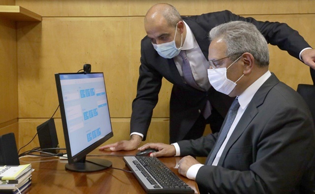 Antonio Costa, Portuguese Prime Minister, and his Minister of Planning Nelson de Souza officially submitted their recovery and resilience plan to the European Commission via the dedicated IT platform (photo: Portuguese Government)
