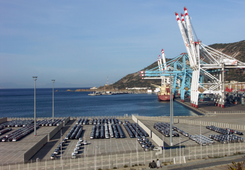 Cars from Renault factory awaiting loading at Tanger Med (photo G.Tur)
